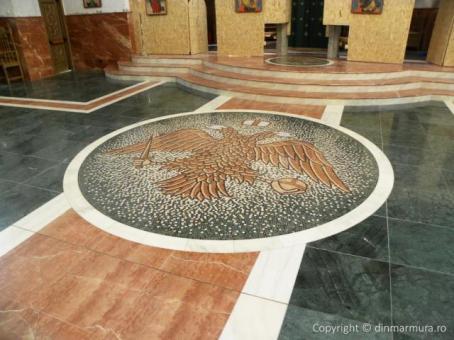 Vulturul Bicefal - mozaic din marmura