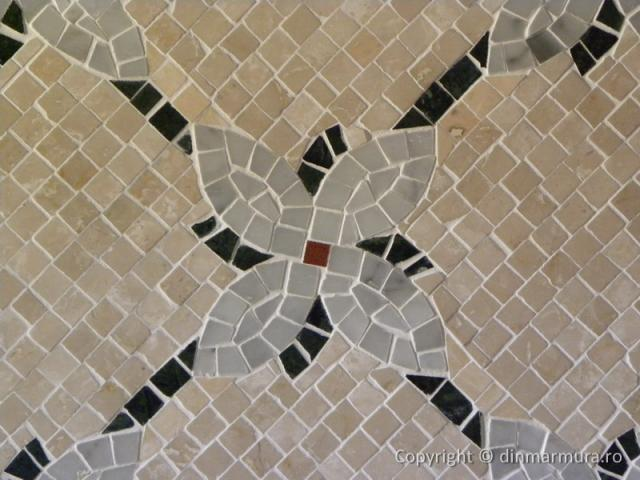 Mozaic decorativ din marmura