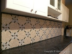 Mozaic decorativ lucrat manual